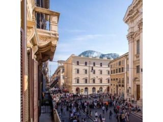 Via del Corso - shopping avenue image